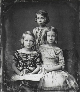 Three Girls daguerreotype portrait