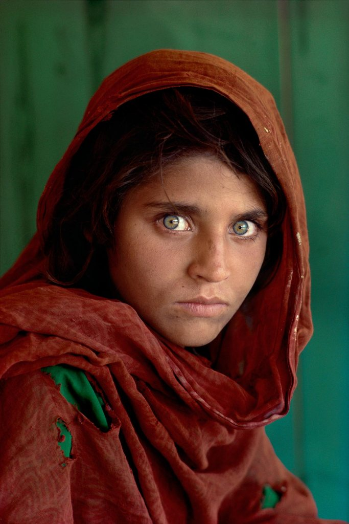 Afghan Girl, Pakistan, 1984, Kodachrome photo by Steve McCurry for National Geographic