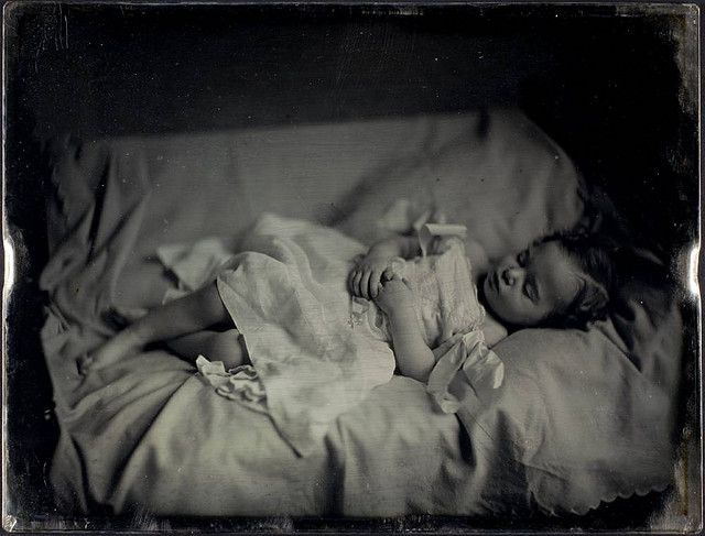Figurer 3: Post-mortem, unidentified young girl, George Eastman House