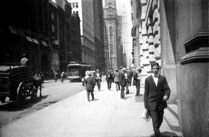 Figure x: Ur-Leica image, New York City, by Ernst Leitz II, 1914