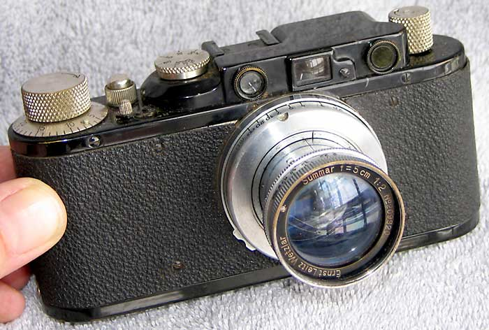 Figure x:  Leica II, introduced in 1932